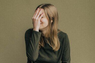 好きな人と恥ずかしくて話せない女性が無理なく彼氏を作る方法